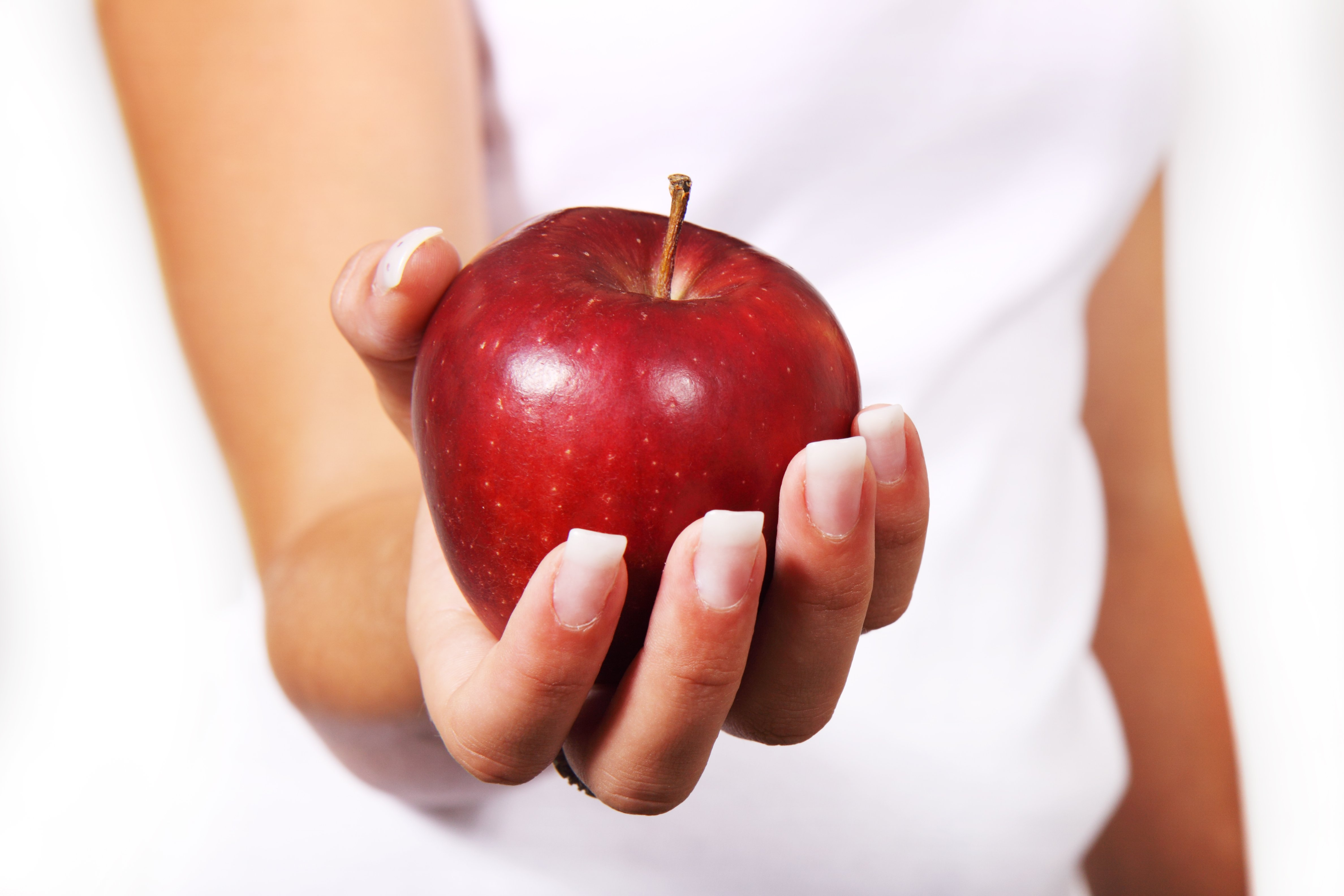 apple-diet-female-food-42068