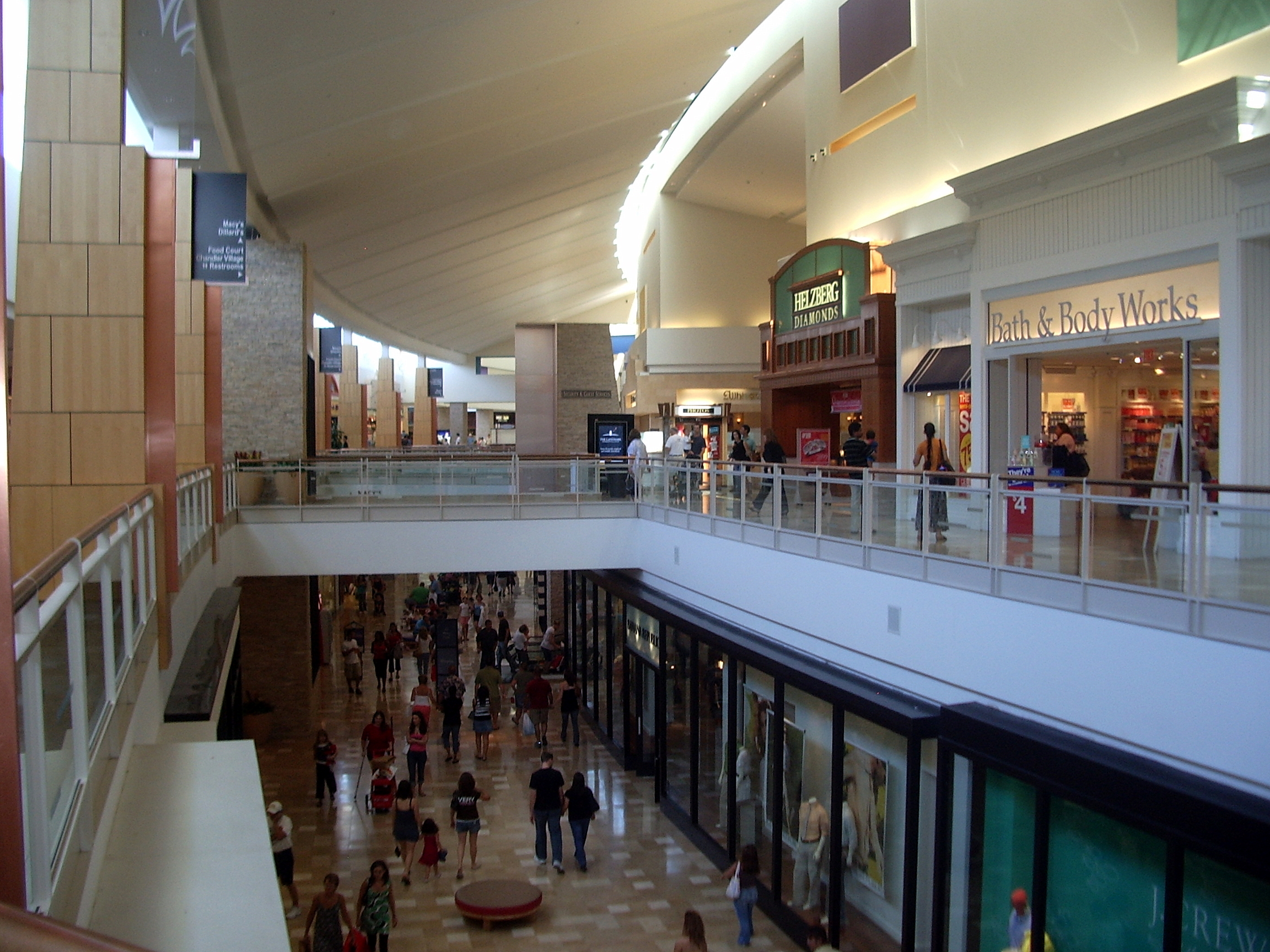 chandler_mall2