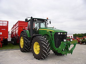 Tractor John Deere 8430. Agriculture Expo in M...