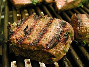 English: Grilled steak with Chianti marinade.