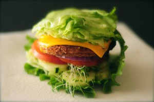 Looking to eat a healthy, but delicious burger? Follow these tips for a healthy burger this summer