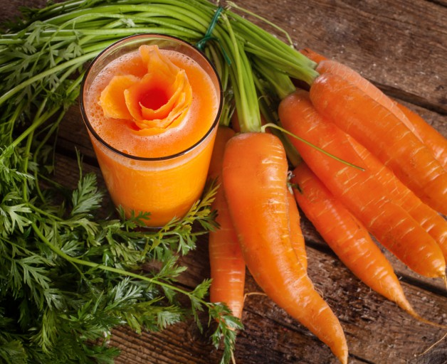 Fresh Carrot Juice Glass With Fresh Organic Carrots